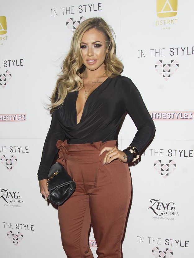 """Holly Hagan is seriously RIPPED      Here at new!, we've always been in awe of Holly Hagan's incredible bod, from her surgically enhanced breasts to her iddy biddy waist.    Attention!!! This is Just an Announce to view full post click on the """"Visit"""" Button Above"""