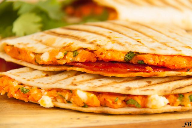 Quesadilla's met zoete aardappel & chorizo