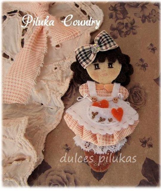 Muñeca Piluka Country. Colección Caramelito. Realizada en fieltro.