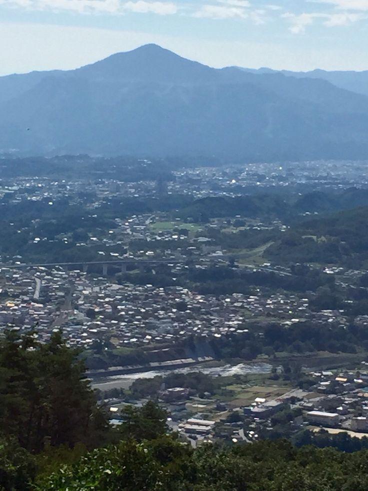武甲山と荒川。