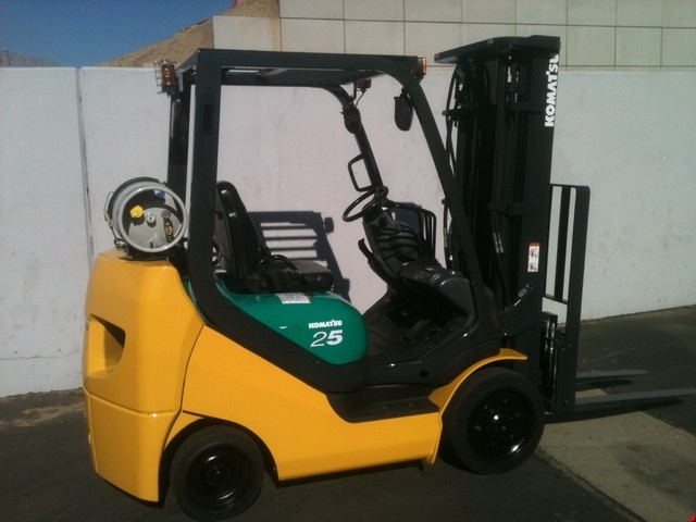 """Forklift for sale in Miami Model FG25ST-16 Mast 240"""" Quad, Lp Gas and side shifter $11,900.00"""