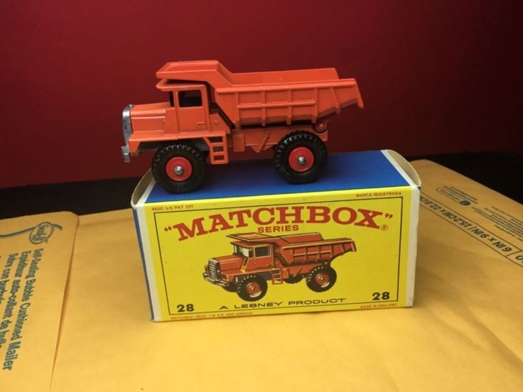 RARE VINTAGE 1968 LESNEY MATCHBOX #28D MACK DUMP TRUCK NM IN ORIGINAL  BOX  #MatchboxLesney #Mack