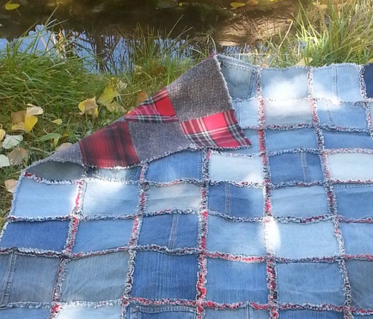 You will love to learn these DIY Denim Rag Quilt Instructions and the things you will be able to create as a result will be great. Watch the video now.