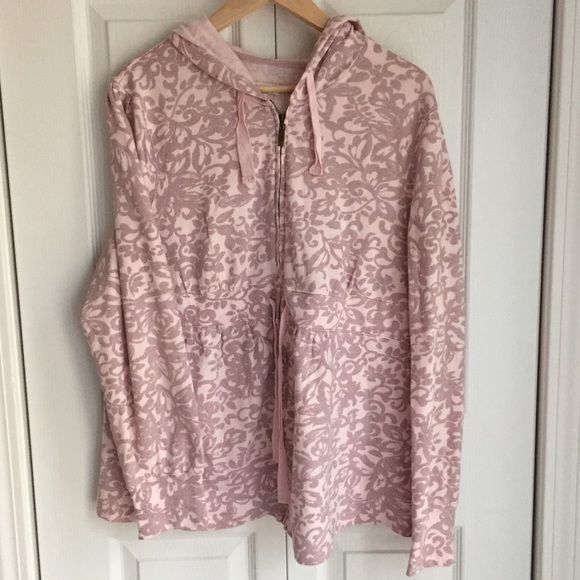 Maternity zip up hooded sweatshirt XL Comfy cozy in great shape!  Smoke free. K ask for a discounted maternity bundle! Liz Lange Tops Sweatshirts & Hoodies