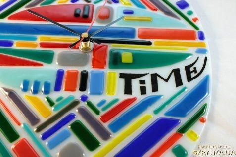 Коленчук Леся — SKRYNYA.UA Glass wall clock «Time», fusing technique, 2014.