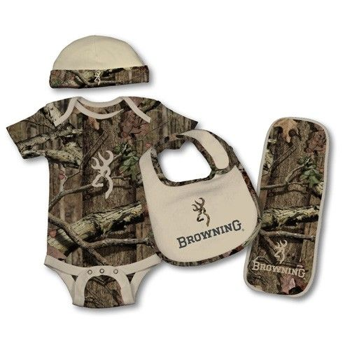 Baby camo set.  Emily got this for me the other day ! Super excited to put it on him.