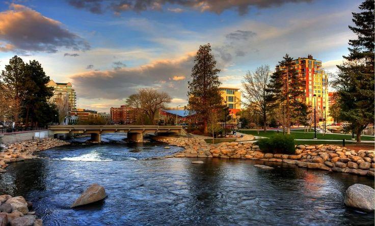 Truckee River Downtown Reno Nevada Stop At Gift Shops