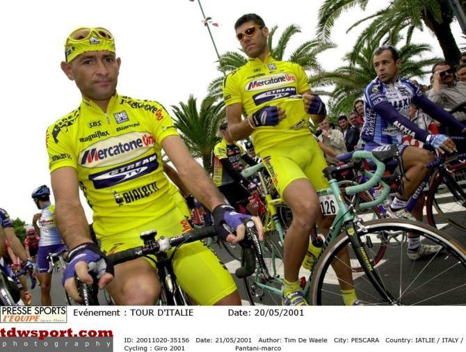 Marco Pantani with Mercatone Uno teammate Daniele De Paoli at the 2001 Giro d'Italia