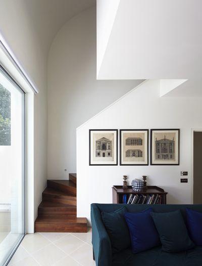 Mews House, London / Dixon Jones  Watch the stairs!