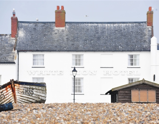 The White Lion Hotel is situated on the beachfront in Aldeburgh, a quiet Suffolk seaside town renowned for its close association with culture, the Arts and a growing number of festivals.