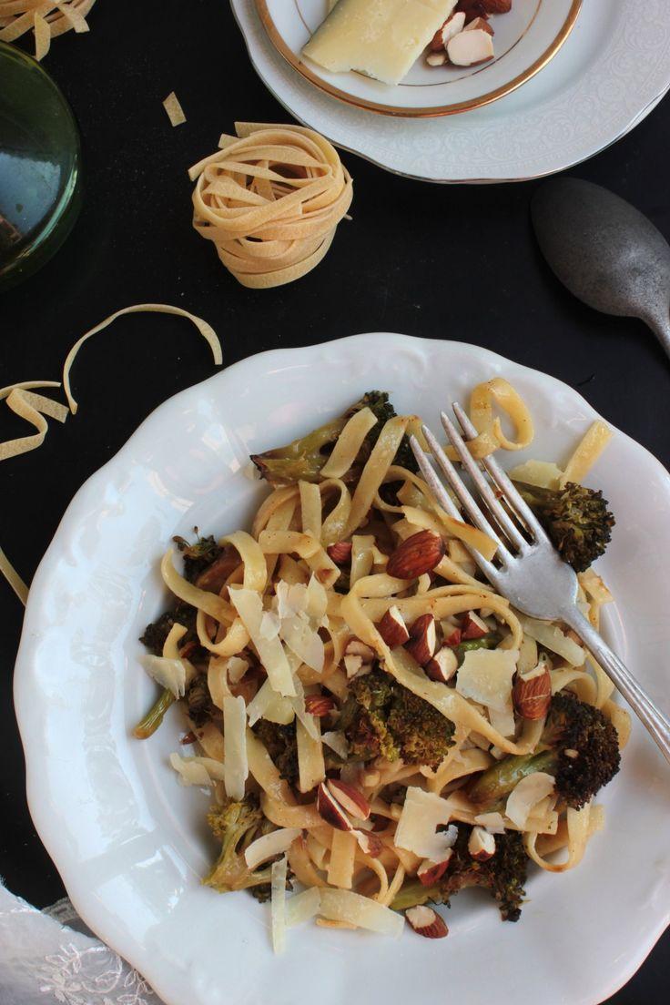 sult-brokkolis-fokhagymas-teszta-piritott-mandulaval