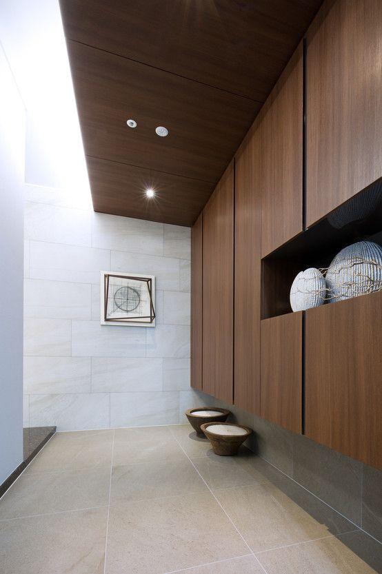 Harrington Court - Terrace House : 모던스타일 복도, 현관 & 계단 by Design Tomorrow INC.