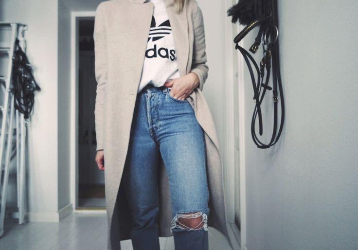 Adidas t-shirt - lainahöyhenissä   Lily.fi