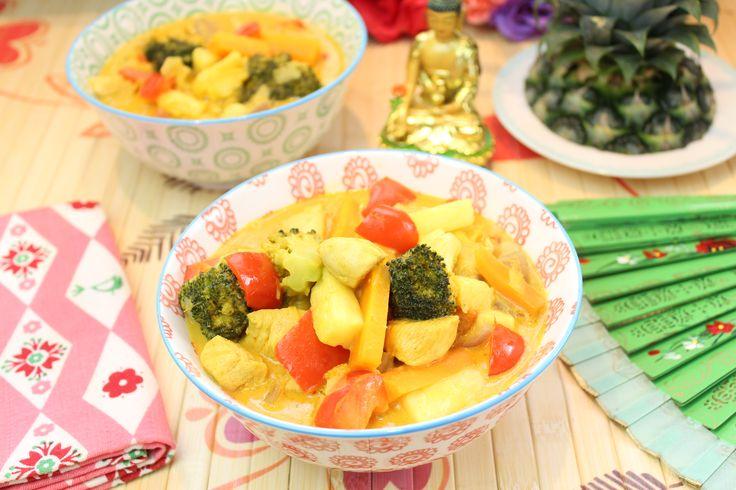 Low Carb Rezepte von Happy Carb: Hähnchen-Ananas-Curry-Topf.