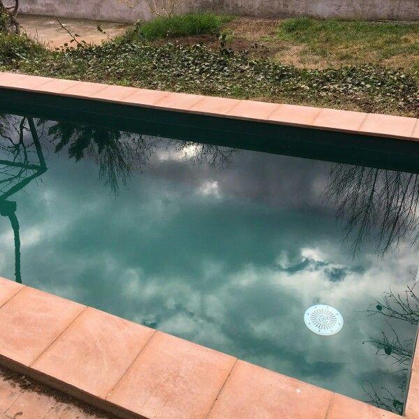 Increíble efecto color verde #liner #piscina www.reparaciondepiscinas.es