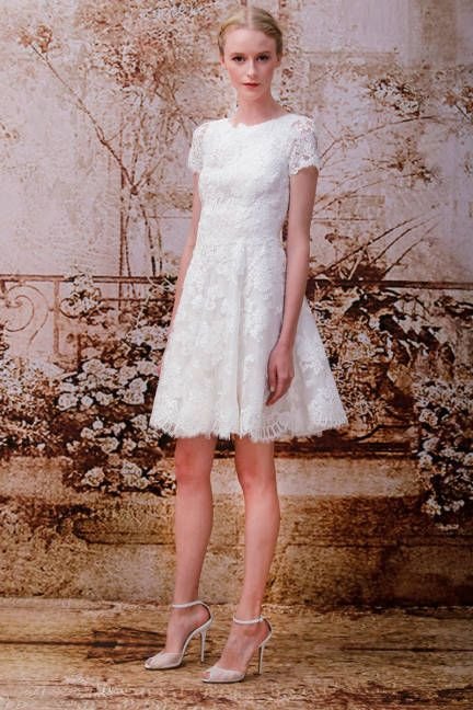 Monique Lhuillier's short lace wedding dress is all set for afternoon!
