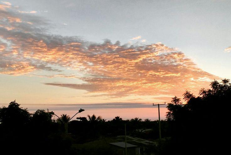 Amanecer en mi tierra #Barranquilla. Vista a las 5 y 30 AM hoy a la altura del Corregimiento de La Playa