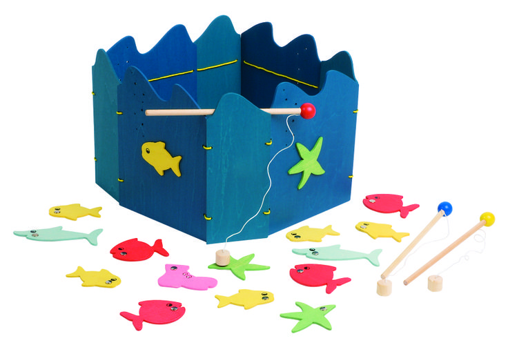 Natural and high quality toys to the development of the skills of children. Fishing game with magnet