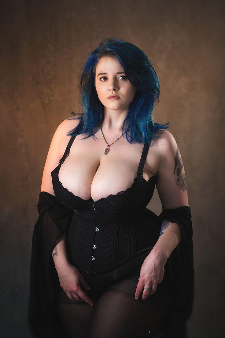 woman peeing nude in public