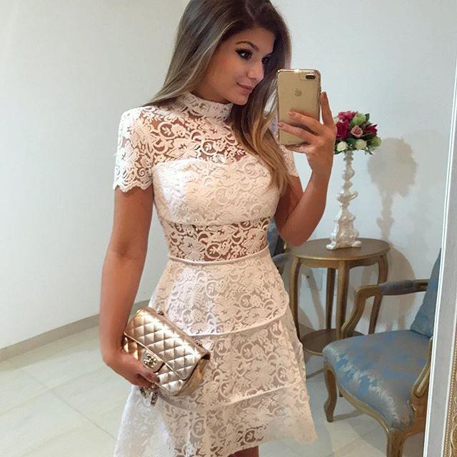 {Renda com transparencia by @rocklola_ ♥️} Vestido rodado com cintura marcada é muito amooor A marca vende no atacado (loja física em SP) e no varejo pelo site: www.rocklola.com.br  • #ootn #selfie #blogtrendalert
