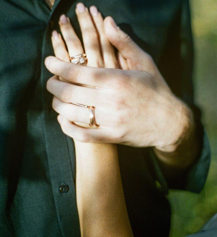 Alternative wedding & engagement rings. Diamond Rose Gold Sun Ring set and Fluid men's band in rose gold.