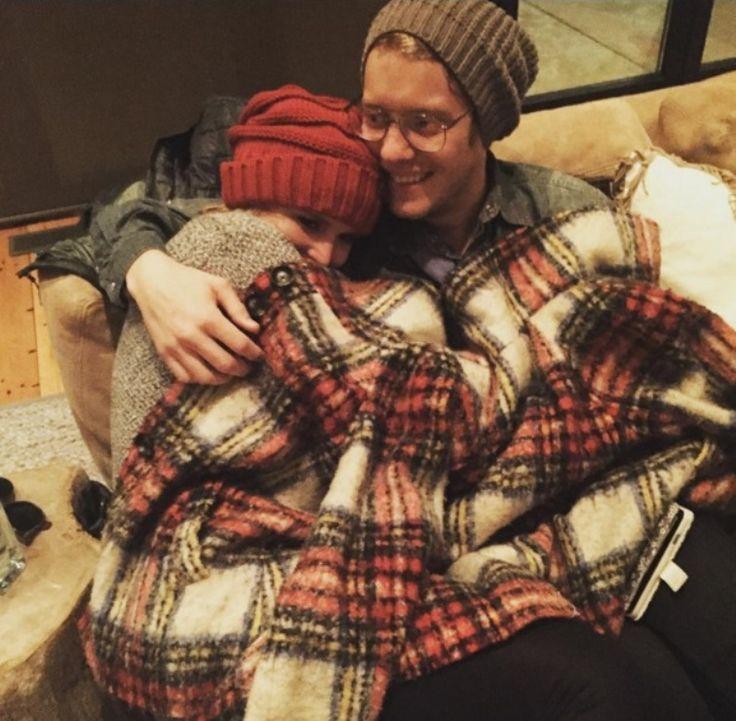 Miranda Lambert Jealous of Blake Shelton, Gwen Stefani? Posts New Boyfriend Photos - http://www.australianetworknews.com/miranda-lambert-jealous-blake-shelton-gwen-stefani-posts-new-boyfriend-photos/