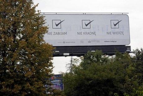 Jak w Polsce żyje się ateistom?