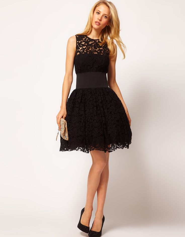 ASOS Prom Dress in Lace With Elastic Waist  €135.06