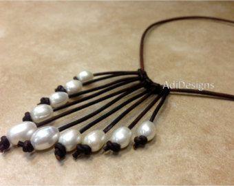 Leder und Süßwasser Perlenkette MaLee von AdiDesigns auf Etsy