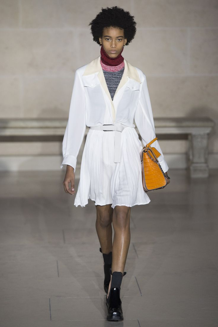 #LouisVuitton  #fashion  #Koshchenets  Louis Vuitton Fall 2017 Ready-to-Wear Collection Photos - Vogue