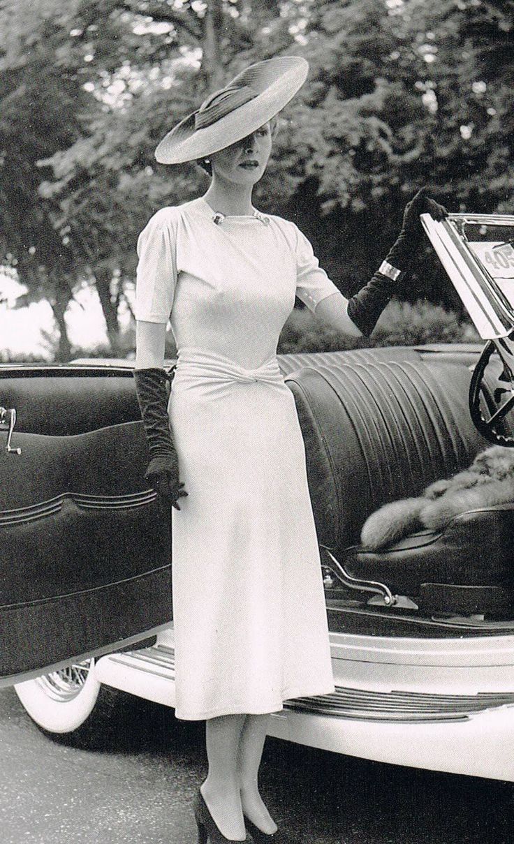 Helene Arpels 1930s in a dress by Maggy Rouff