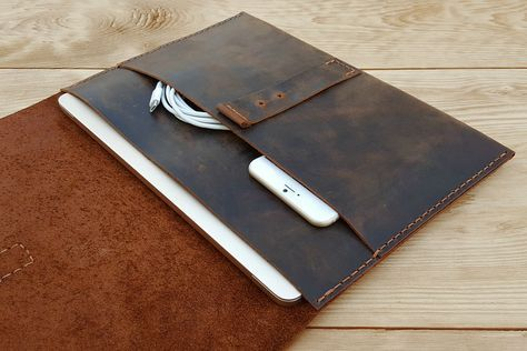 MacBook Case Leather Document Holder PERSONALIZED by Benittorre
