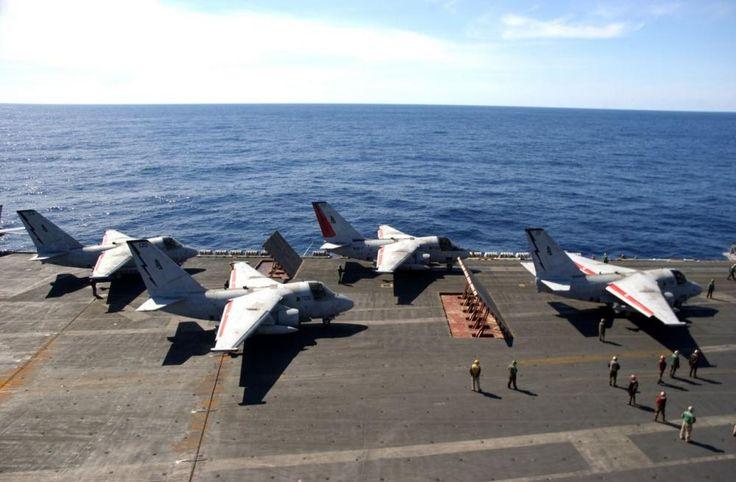 Plus de 40 ans après sa mise en service sur les porte-avions de l'US Navy, le S-3B Viking a définitivement tiré sa révérence au sein de l'aéronavale américaine. Les deux derniers appareils de ce type ont survolé une dernière fois ensemble, le 12 janvier, la base de Ventura County, en Californie. L'un d'eux, qui était affecté à l'Air Test and Evaluation Squadron 30, va être mis au rebut. Quant au second, il va connaitre une nouvelle vie au sein de la NASA, dont le centre de recherche a…