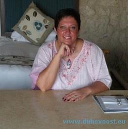 Vesna Kravcar. Energijske slike, zdravljenje prostora, reiki tečaji, delavnice z runami, meditacije, intuitivni readingi, delavnice Sedem svetih simbolov. http://duhovnost.eu/sl/Izvajalci_terapij/Vesna_Kravcar/