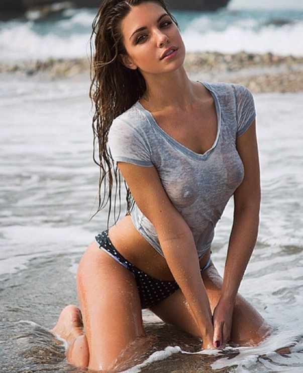 girls in hot wet sex with man
