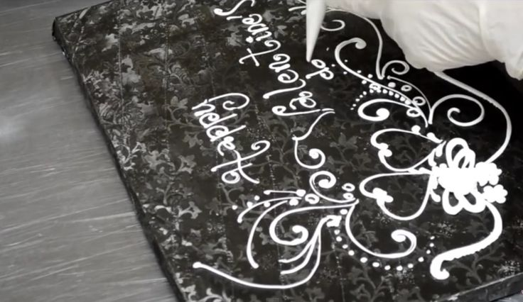 Cake Design With Piping