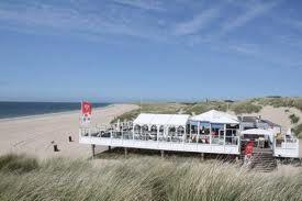 Beachclub 't Gorsje aan het begin van de Brouwersdam