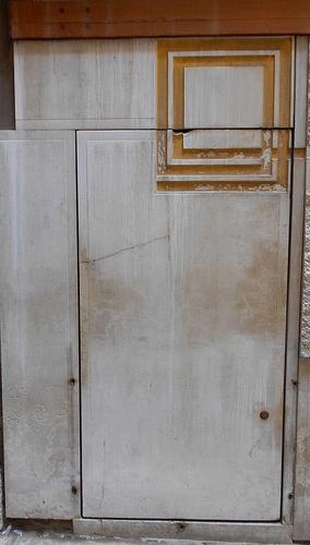 porta laterale - negozio Olivetti di Carlo Scarpa - Venezia