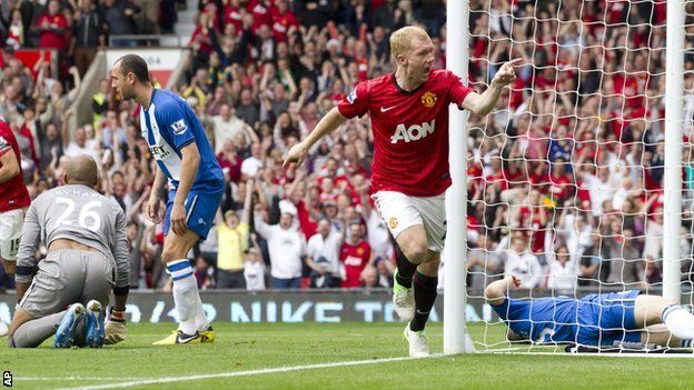BBC Sport - Man Utd 4-0 Wigan  Scholes scores the opener is his 700th appearance for United.    Giggs, and SBC are the only other players to have played at least 700 games for United.