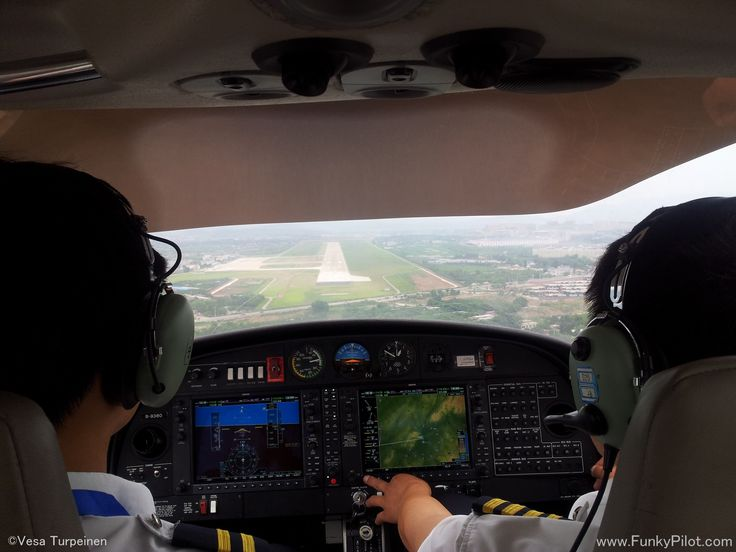 Approach to Chaoyang in a Diamond DA40 #airplane!