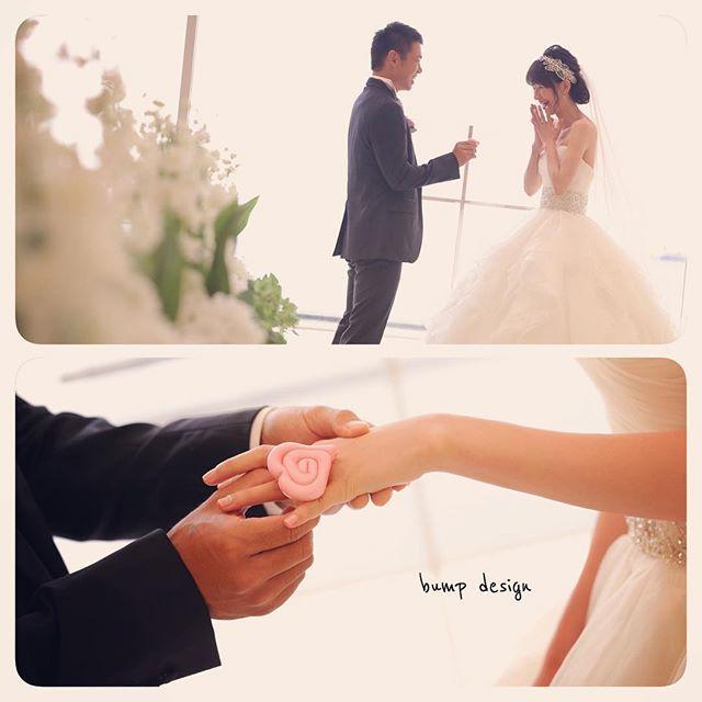#千葉  せっかくチャペルで前撮りできるのだ。  指輪交換でもしときましょう!  あれ?  なんかでっかいぞ?! 間違えた!  これは飴細工だぁ〜〜 ^ ^  #結婚写真 #花嫁 #プレ花嫁 #結婚 #結婚式 #結婚準備 #婚約 #カメラマン #プロポーズ #前撮り #エンゲージ #写真家 #ブライダル #ゼクシィ #ブーケ #和装 #ウェディングドレス #ウェディングフォト #七五三 #お宮参り #記念写真  #ウェディング #IGersJP  #weddingphoto #bumpdesign #バンプデザイン