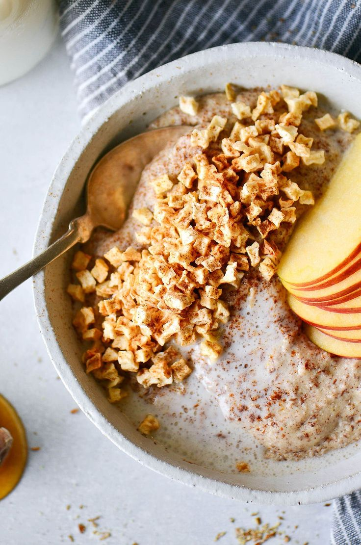 Instant apple cinnamon hot cereal. Rich and creamy whole30 breakfast cereal. Made in one minute! Can be made ahead.