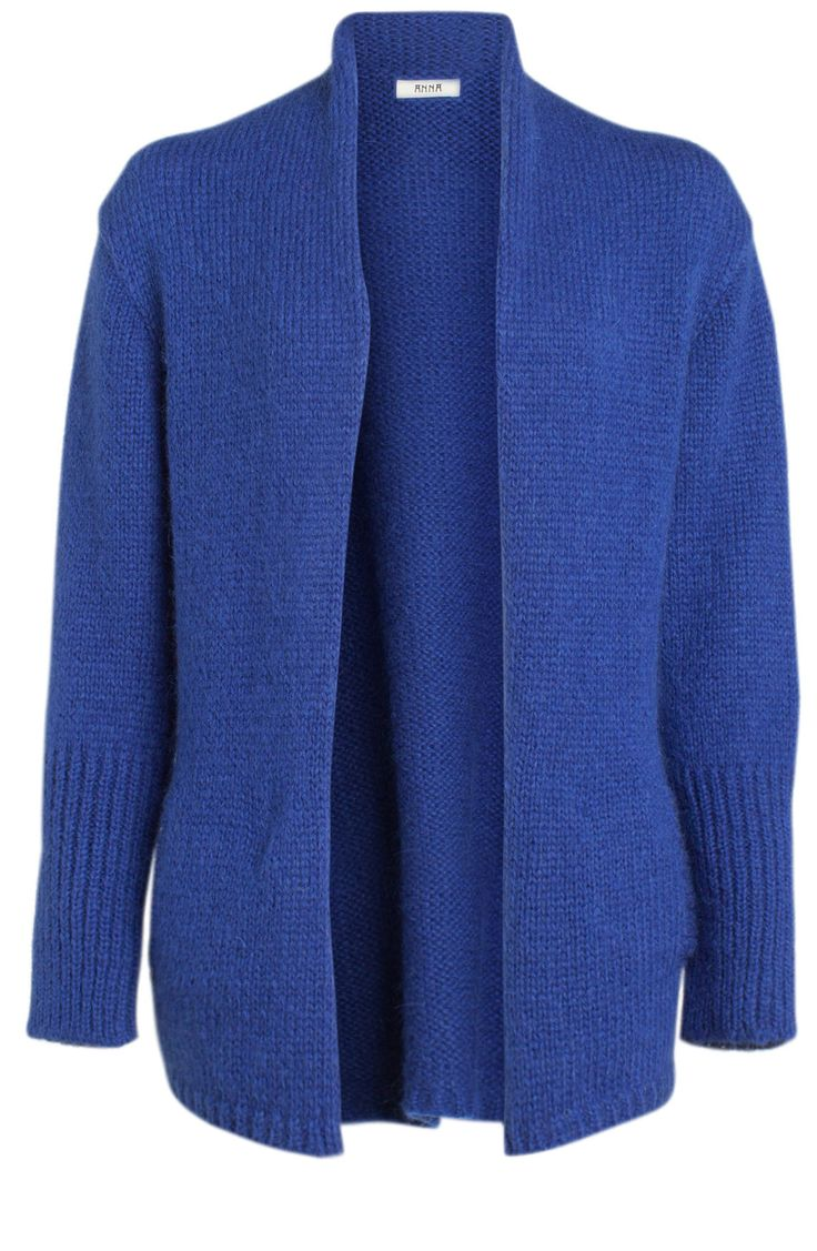 Vest van het merk Anna in de kleur cobalt. Het vest heeft een hoge kraag en lange mouwen. Het vest heeft steekzakken aan beide zijden.