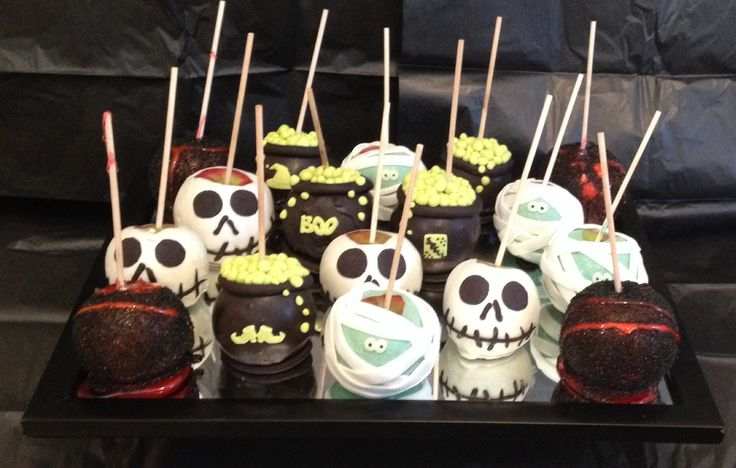 Gourmet Halloween Candy Apples!!!  So much fun!!