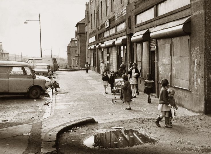 Amazing pictures of children playing on Glasgow streets in days gone by - Daily Record