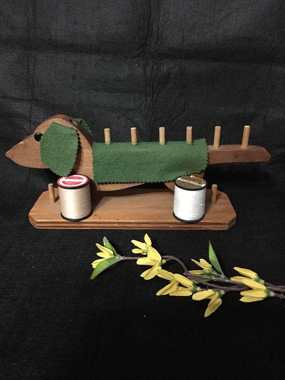 Vintage teckel houten draad spoel houder naaien door 2BarnPickers