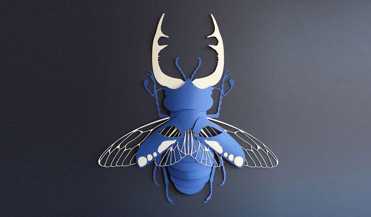 Masque en papier découpé - concours Arjowiggins - Scarabée bleu - montage papier - lucane cerf-volant - DIY