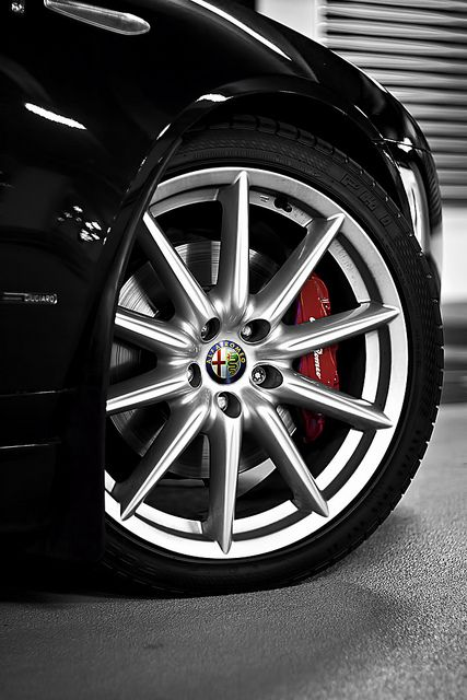 "Alfa Romeo 159 19"" Alloy Wheel"