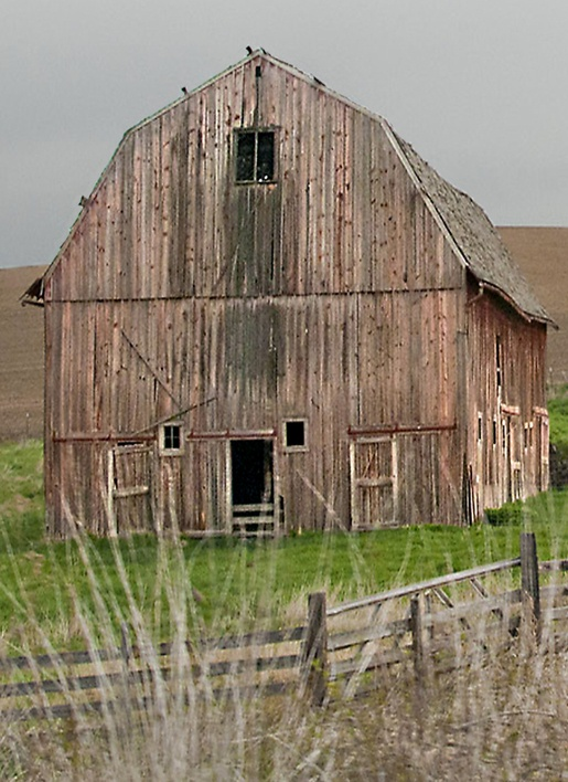 Reminds me of old barns in Missouri