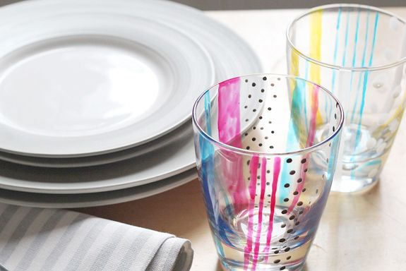 painted glassesGlasses Painting, Crafts Ideas, Hands Painting, For Kids, Glasses Tumblers, Diy Painting, Painting Tumblers, Painting Glasses, Painting Projects